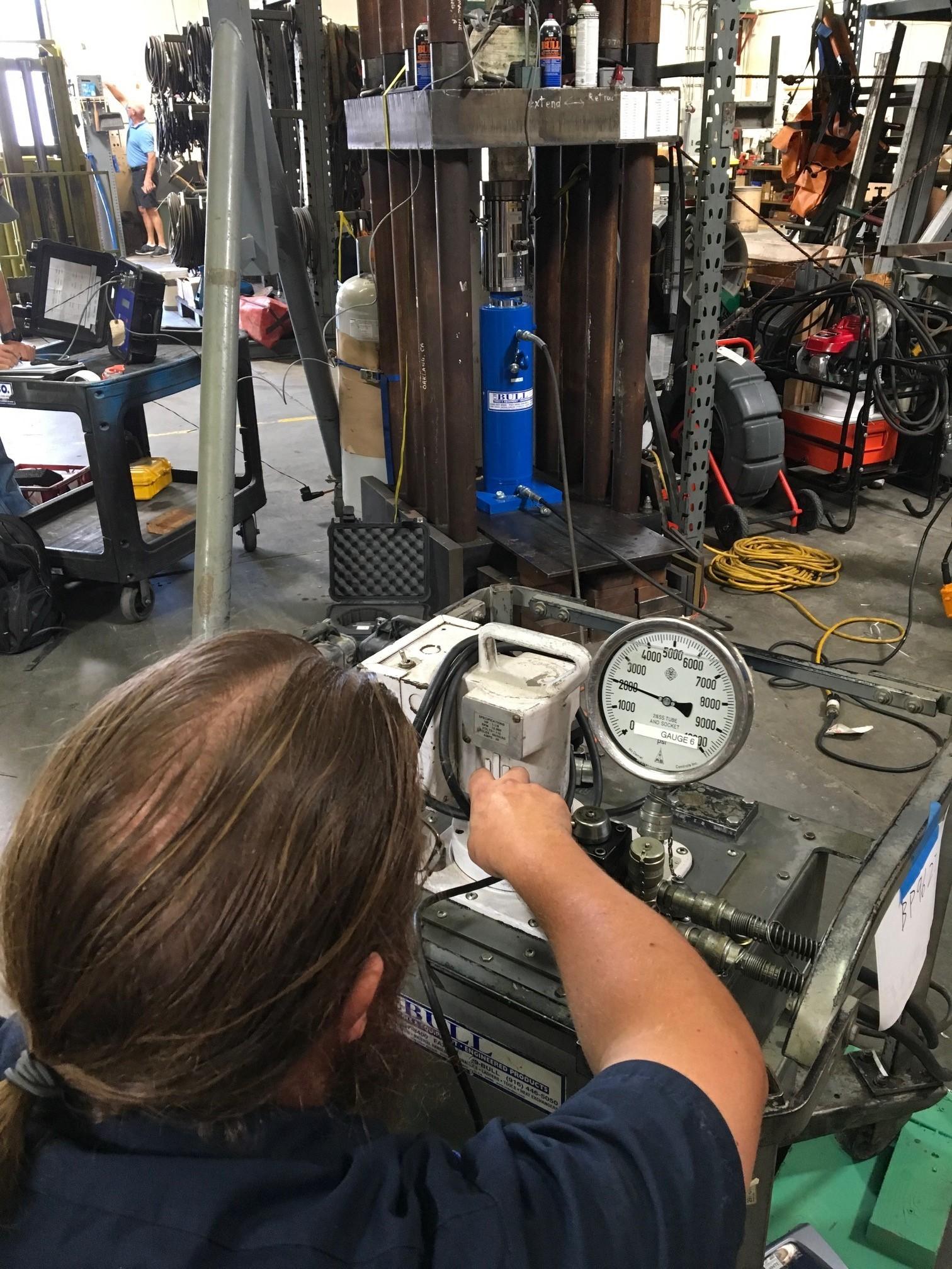 Calibrating 100 ton ram
