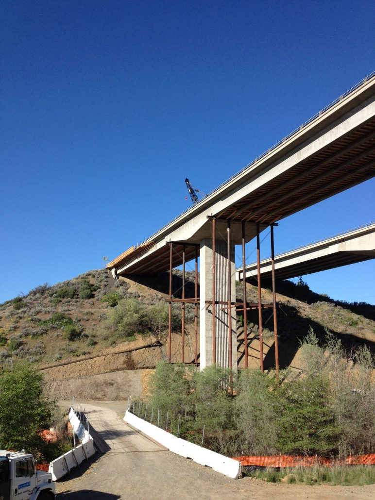 I-5 Bridge Support System - CH Bull Jacking Solutions